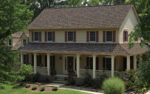 Picture of a home with a beautiful new roof installed.